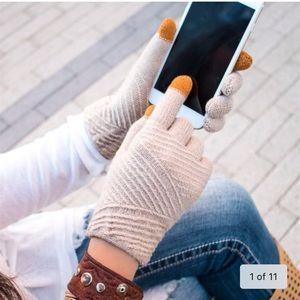 NWT Cozy Textured Touchscreen Gloves OSFM